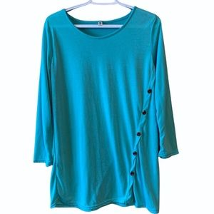 Teal long sleeve with brown buttons